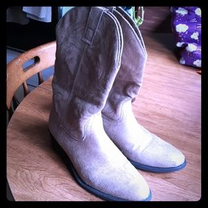Tan cowboy boots 10